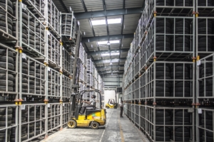 Save energy in your warehouse or distribution center without heavy lifting